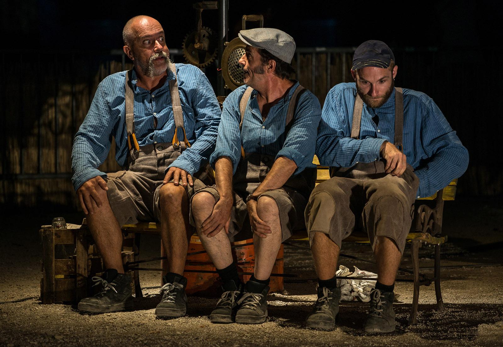Encore Rate spectacle dynamogene theatre de rue Nimes Avignon